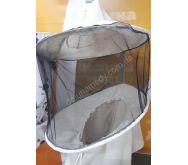 Маска пчеловода с вшитыми кольцами, с цельной чёрной сеткой. Ткань бязь суровая. Состав 100% хлопок.